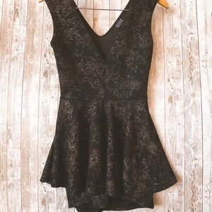 Joyce Leslie Black and Gold Romper Size Small